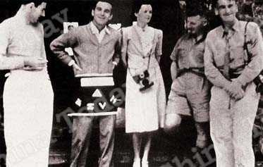 Edgar and Helen Snow (second and third left), and fellow writer Rewi Alley (second right) in the Philippines in 1940.