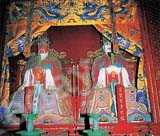 Mencius (left) is worshiped at the Confucius Temple in Qufu. Huo Jianying